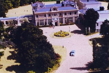 Down Hall Country Hotel image 2