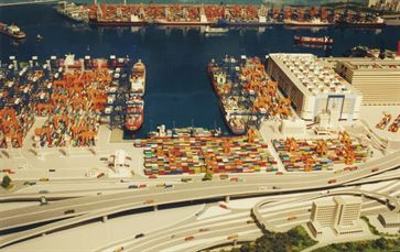 Hong Kong Container Port image 3