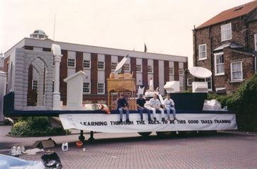 Humberside Tech Carnival Float image 4