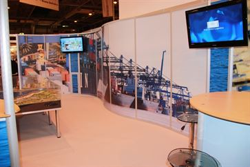 Multimodal Exhibition Stand for Hutchinson Ports (UK)  image 17