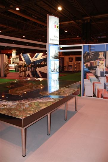 Multimodal Exhibition Stand for Hutchinson Ports (UK)  image 18