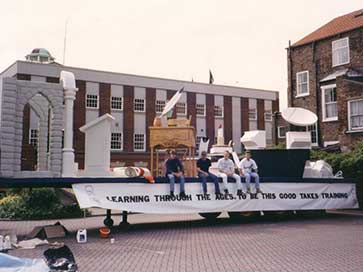 Carnival Float for Humberside TEC